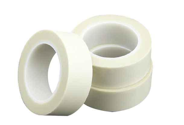 三卷大小相同的挼白色的玻纤布纤维胶带