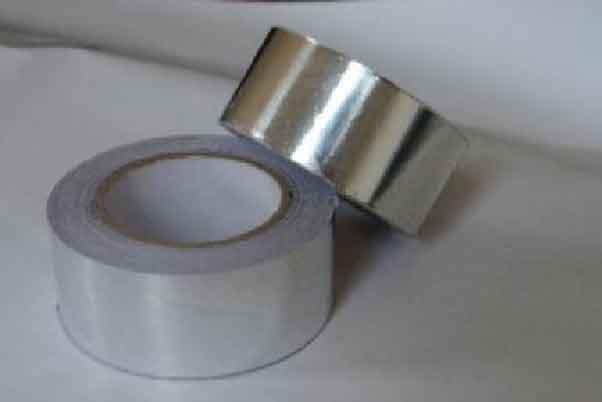 两卷银色的铝箔胶带