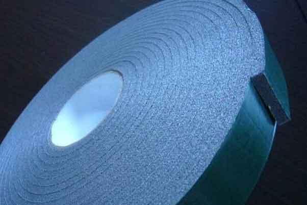 蓝色的泡棉胶带