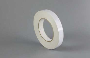立着的一卷绵纸胶带